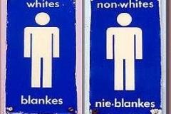12a_Apartheid_auf_den_Toiletten